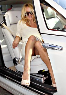 Pamela Anderson hot car upskirt